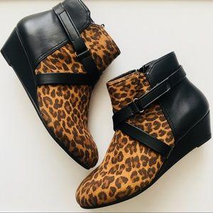 NWOB Comfortview size 9W cheetah print booties